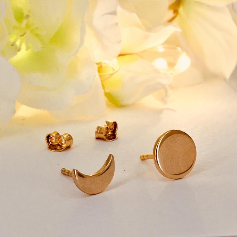 Boucles d'oreilles soleil et lune en plaqué or